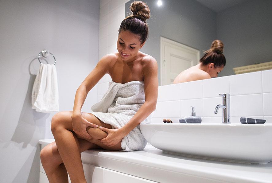 Regelmäßige Hautpflege für straffe Haut